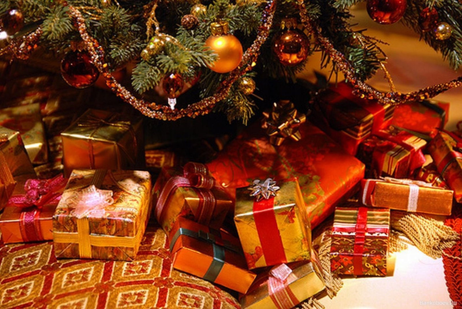 Символические подарки другу на новый год